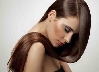 Так как волос состоит на 98% из белка, он в растительной форме должен каждый день быть в вашем рационе в виде орехов, семян, рыбы.