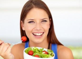 Диетическое питание - это рекомендации и советы конкретному человеку по подбору индивидуального ежедневного рациона на основе его состояния здоровья.
