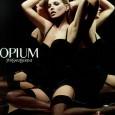 Opium от Yves Saint Laurent попал на прилавки магазинов в 1977 году и побил все существующие рекорды продаж – новые партии духов раскупались в считанные дни.