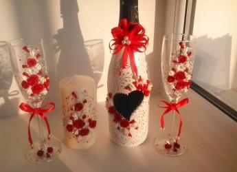 Свадебные бокалы своими руками вполне могут стать вашей первой семейной реликвией.