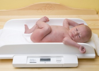 Недостаточное питание приводит к недобору веса.