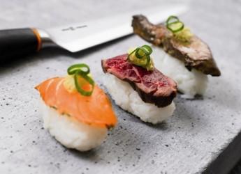 Потребление жидкости во время японской диеты не является ограниченным – пить можно столько, сколько будет хотеться в течение дня.