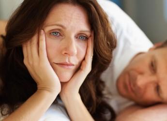 Возраст начала климакса индивидуален, он зависит от генетической предрасположенности, и не имеет никакого отношения к тому, когда впервые началась менструация.