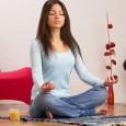 Привлекать деньги с помощью медитации лучше вечером, когда вас ничего не тревожит.