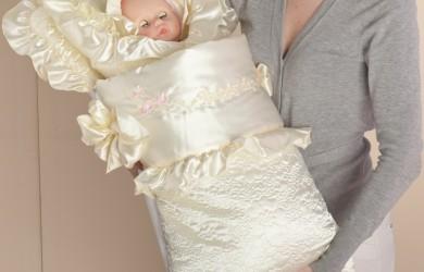 Если вы решите сшить конверт для новорожденного своими руками, это принесет вам большое удовольствие