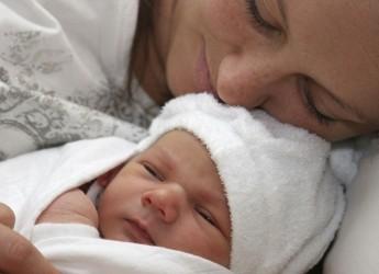 Если малыш болеет, у него повысилась температура, то вполне естественно, что он будет плохо спать