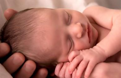 Больше всего родителей и врачей беспокоят отклонения в размерах головы ребенка, особенно, на первом году жизни.