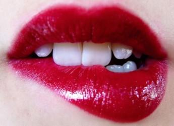Сегодня в моде чувственные, женственные объемные губы. Однако их полнота должна быть природной, а контур — выразительным и правильным.