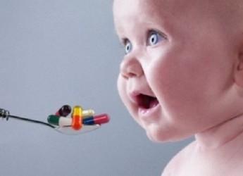При остром рините (насморке) антибактериальные препараты не показаны.