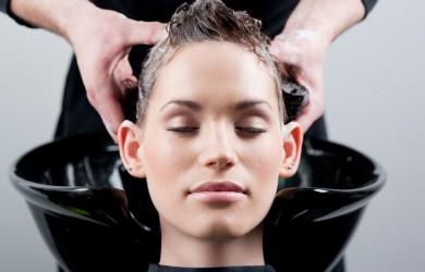 Цены на лечение волос зависят от методики и используемых препаратов.