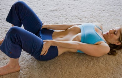 На первый взгляд упражнения вакуум кажутся для многих людей слишком простыми и смешными.